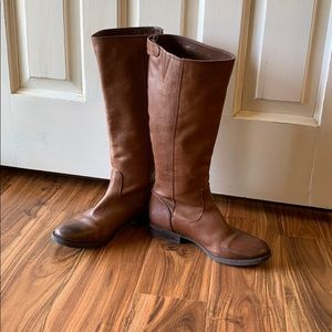 Arturo Chiang Light Brown Leather Boots: 7.5 M